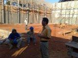 Lacerda fala com operarios da construção