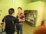 Concedendo entrevista ao reporter do Jornal de Uberaba